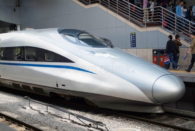 Chinesischer Hochgeschwindigkeitszug lizenzfreie stockfotografie