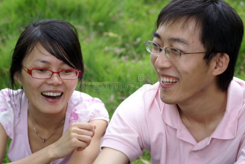 Chinesischer Junge und chinesisches Mädchen lizenzfreie stockbilder