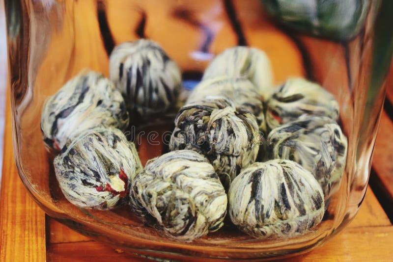 Chinesischer Tee im Halter stockbild
