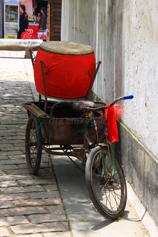 Chinesischer traditioneller Reis-Wein in einem großen Topf Alte Stadt Suzhous, Chi stockbild