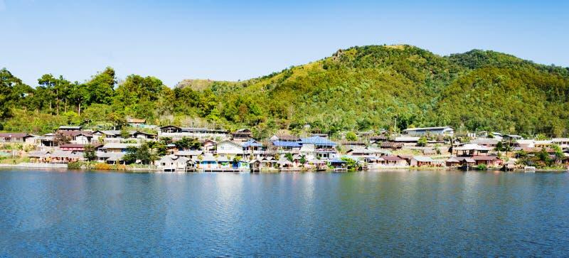 Chinesisches Dorf der schönen Landschaft am Lee-Wein ruk Thailändersee, Mae Hong Son stockfoto
