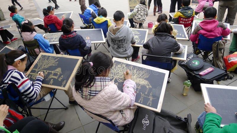 Chinesisches Kindmalen lizenzfreie stockbilder