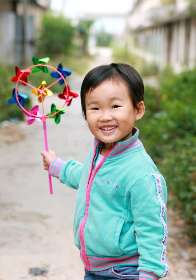 Chinesisches Kindspielen. lizenzfreies stockfoto