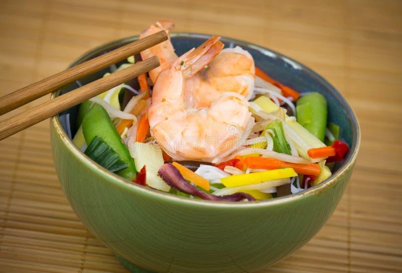 Chinesisches Lebensmittel - Garnelen- und Reisnudel lizenzfreie stockfotos