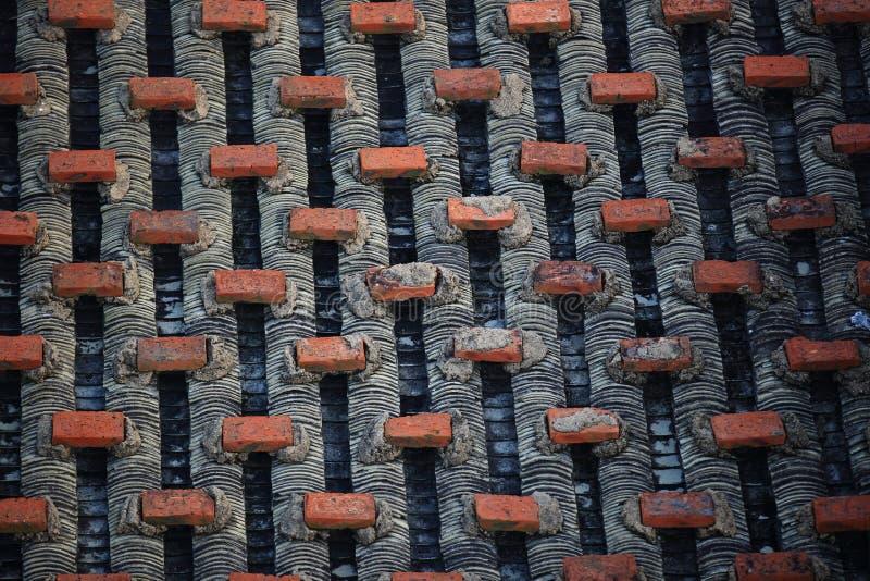 Chinesisches mit Ziegeln gedecktes Dach mit Ziegelsteinen stockbild
