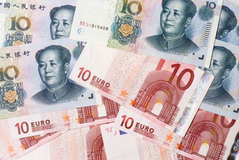 Chinesisches und Eurobargeld lizenzfreies stockbild