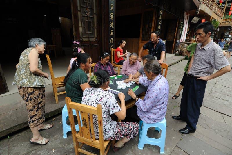 Download Chinesisches Volk Spielt Mahjong Redaktionelles Stockbild - Bild von lebensstil, spiel: 26361209