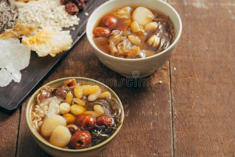 Ching BO leung - het Aziatische zoete dessert kan gemakkelijk door worden gevonden royalty-vrije stock foto