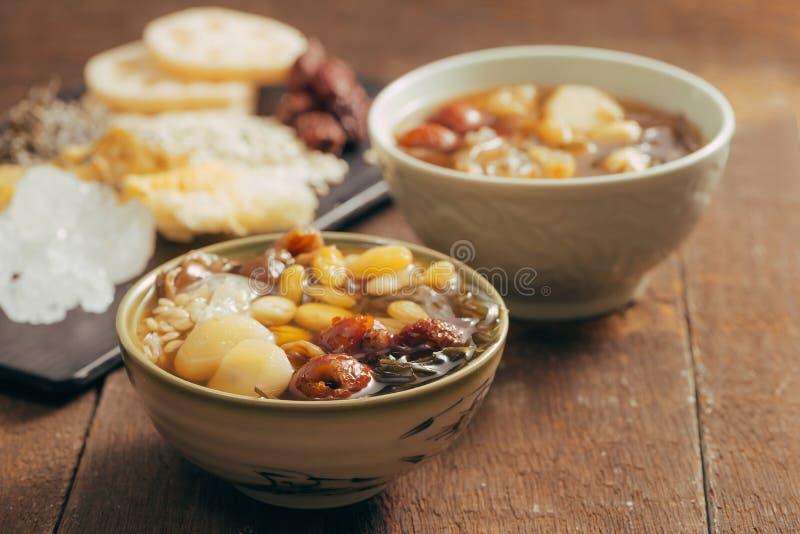 Ching BO leung - het Aziatische zoete dessert kan gemakkelijk door worden gevonden stock afbeelding