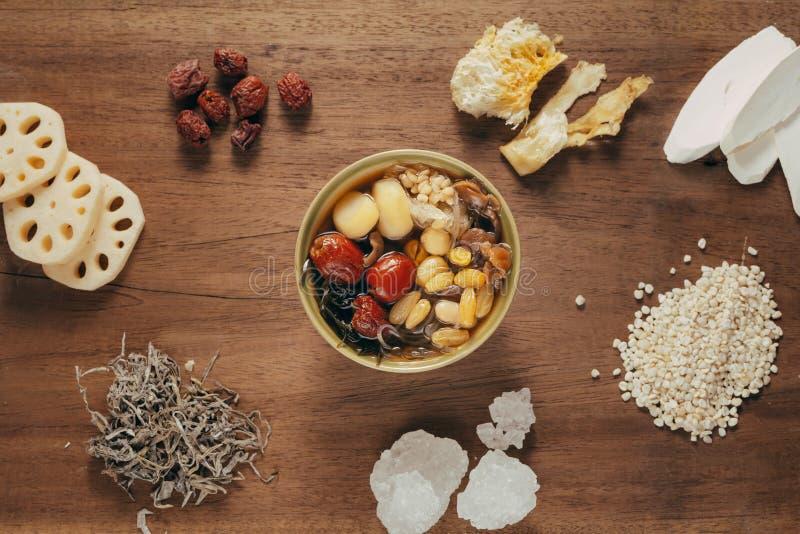 Ching BO leung is zoete koude soep in Chinese en Vietnamese cuis stock foto