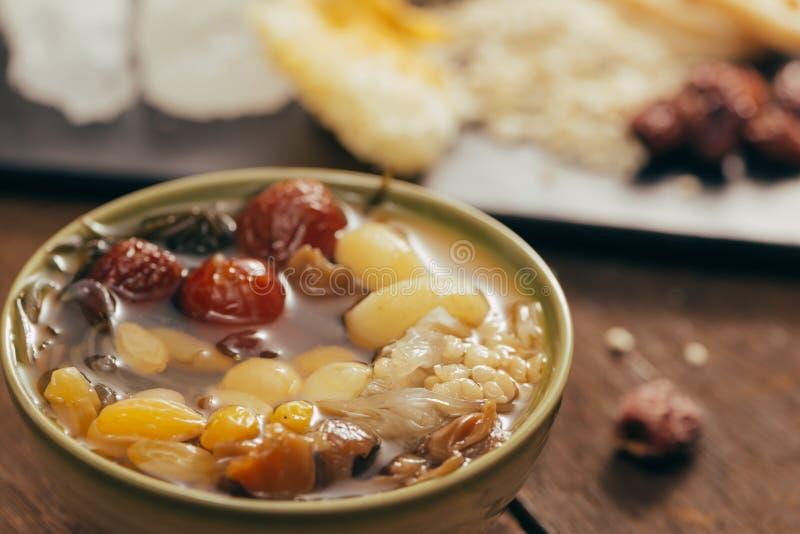 Ching BO leung is zoete koude soep in Chinese en Vietnamese cuis stock afbeelding