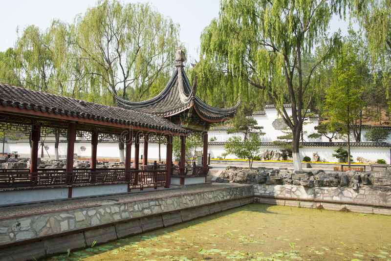Chino de Asia, Pekín, palacio del norte, Forest Park, arquitectura de paisaje, pabellón, galería imagen de archivo