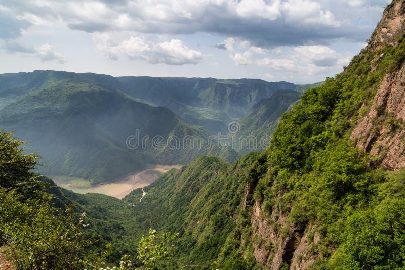 Chino de la montaña de Gansu Kongtong imágenes de archivo libres de regalías