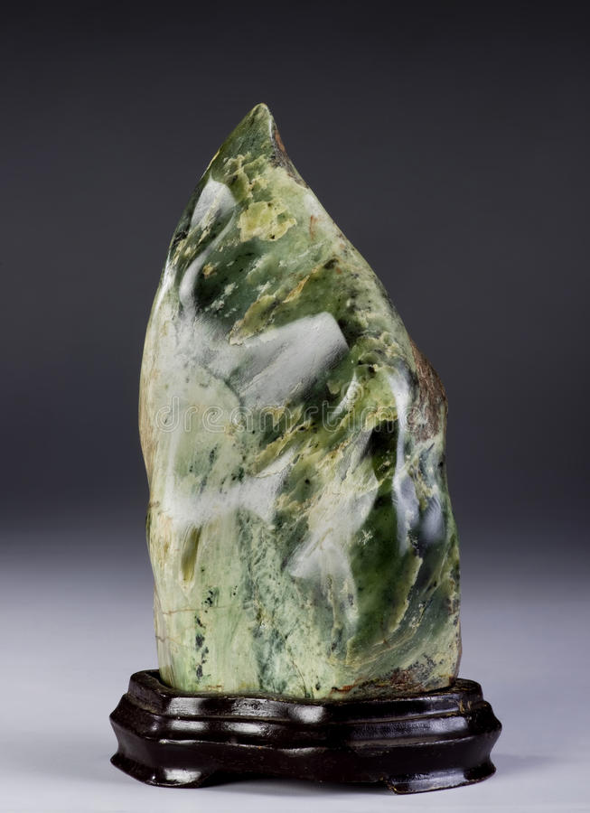Download Chinois Jade Scholars Rock image stock. Image du luxe - 87706209