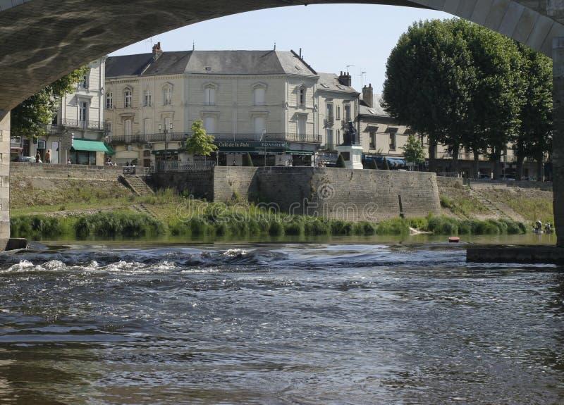 Chinon en el río de Vienne en Francia fotografía de archivo libre de regalías