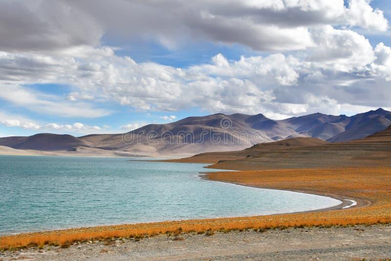 Chiny, Tybet ?wi?ty jeziorny Chovo Co 4765 m w letnim dniu obrazy stock
