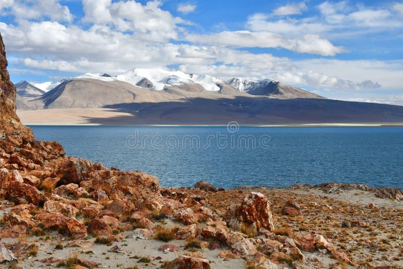 Chiny, Tybet ?wi?ty jeziorny Chovo Co 4765 m w letnim dniu obraz royalty free