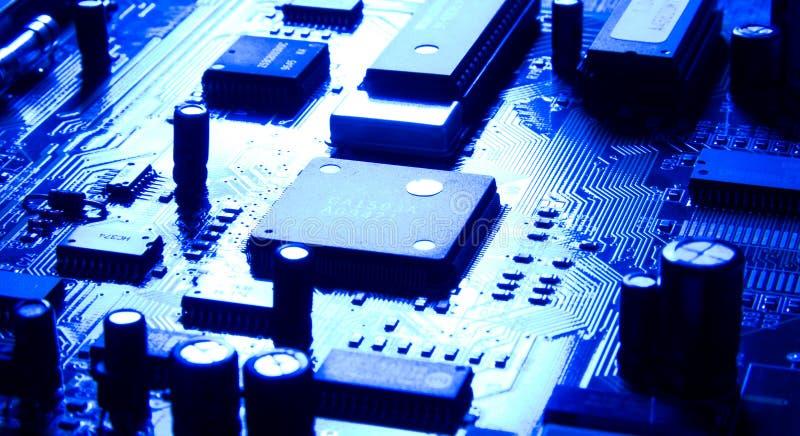 Chip de ordenador con la luz reflectora brillante fotografía de archivo