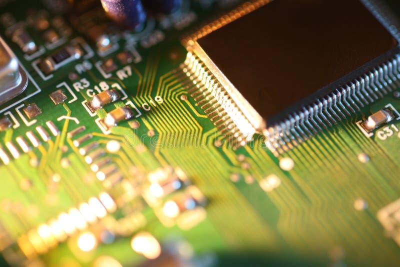Chip di azienda di trasformazione sul circuito immagini stock libere da diritti