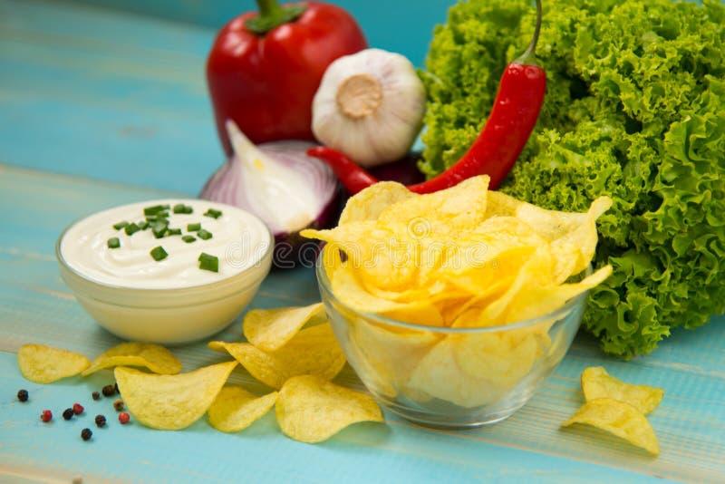chip ziemniaka odosobnione white zdjęcie stock