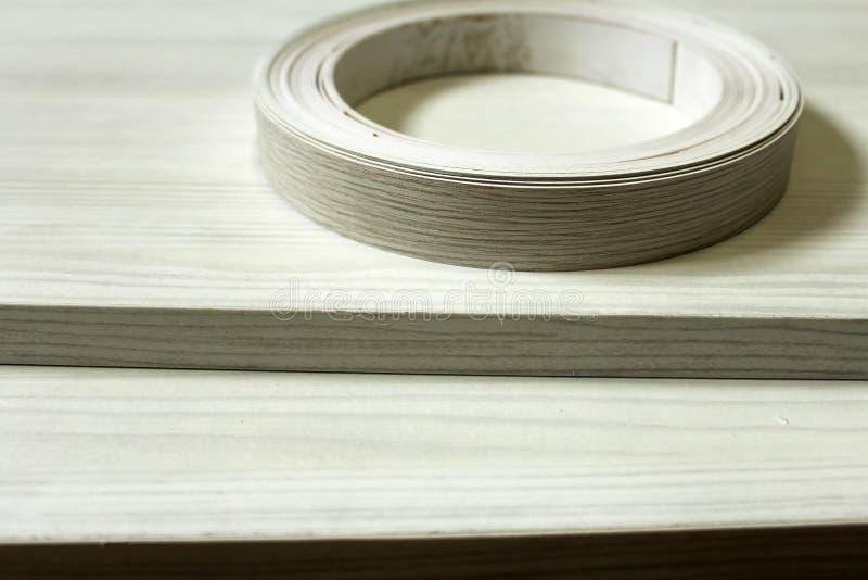 chipboard Plastikrandverpackung von Möbeln lizenzfreies stockfoto