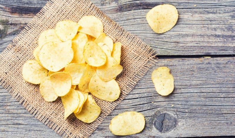 chips den crispy potatisen arkivbild