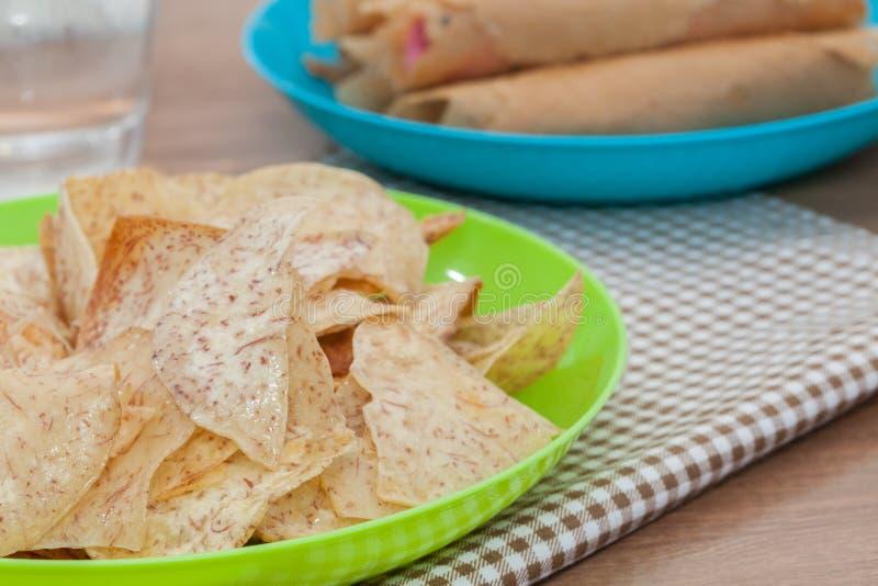 Chips doux frits de taro image libre de droits
