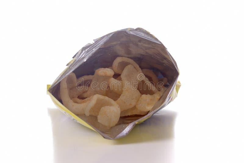 Chips in een zak stock foto