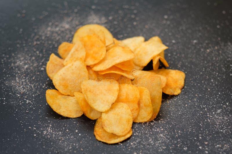 Chips för mellanmål för mat för eftersläckare för öl för potatischip kryddigt arkivfoton