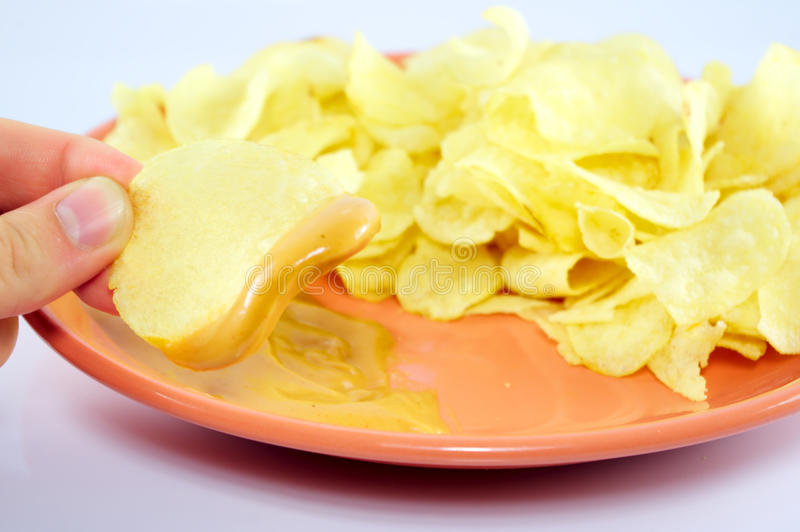 Chips und Soße stockbild