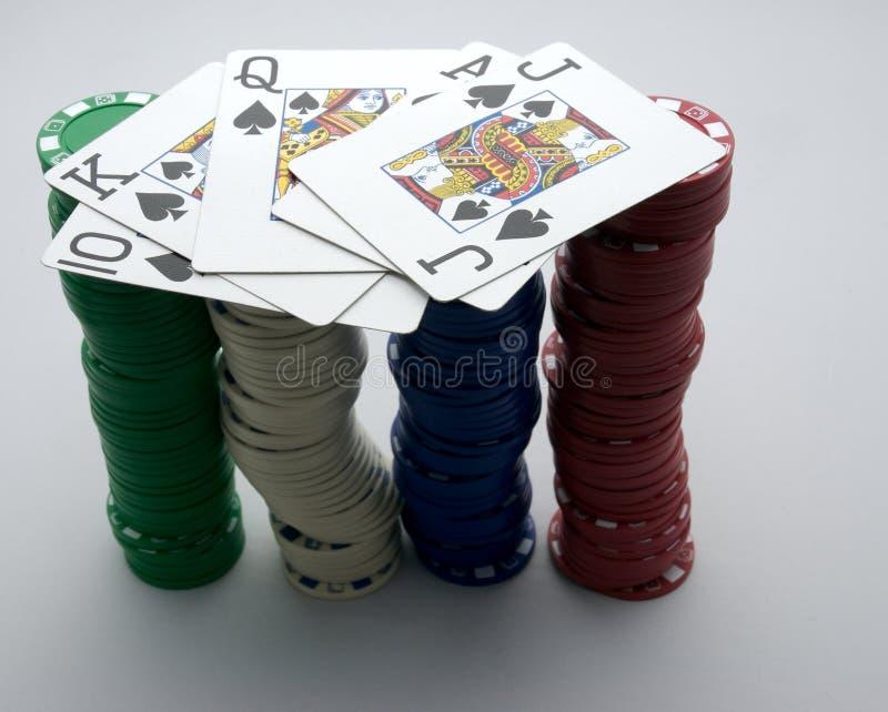 chipsy 2 ręce pokera. obrazy royalty free