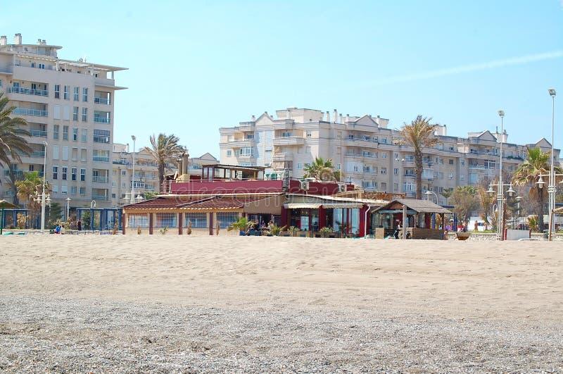 Chiringuito sur la plage de la La Misericordia Malaga, Espagne photographie stock libre de droits