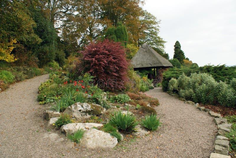 Chirk el jardín del castillo en otoño fotos de archivo libres de regalías