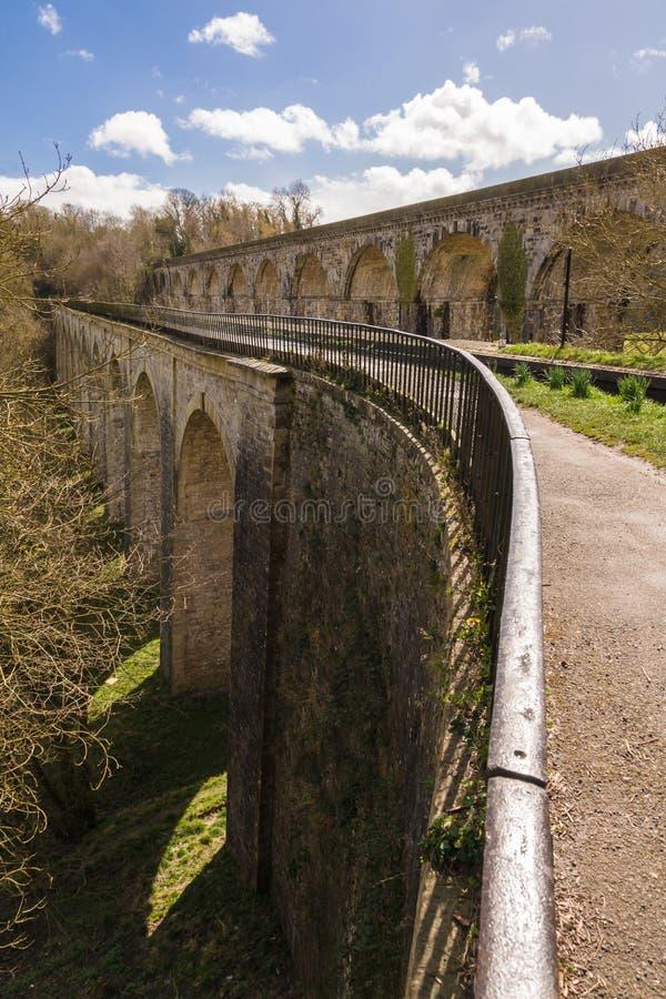 Chirk l'aqueduc et le viaduc photographie stock libre de droits