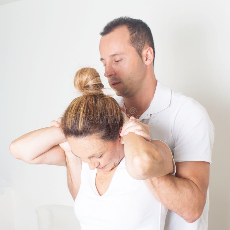 Chiropractic προσοχή στοκ εικόνα