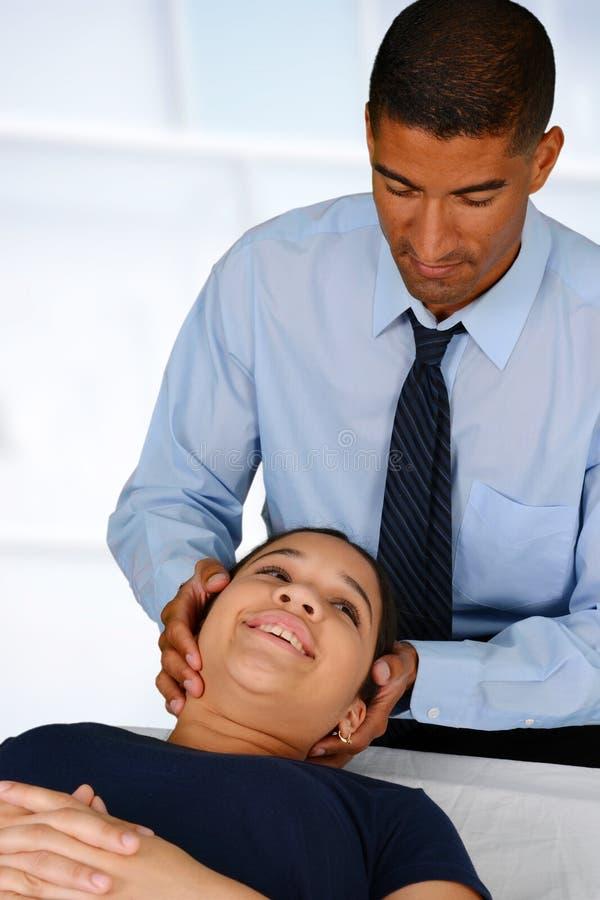 chiropractor stock afbeeldingen