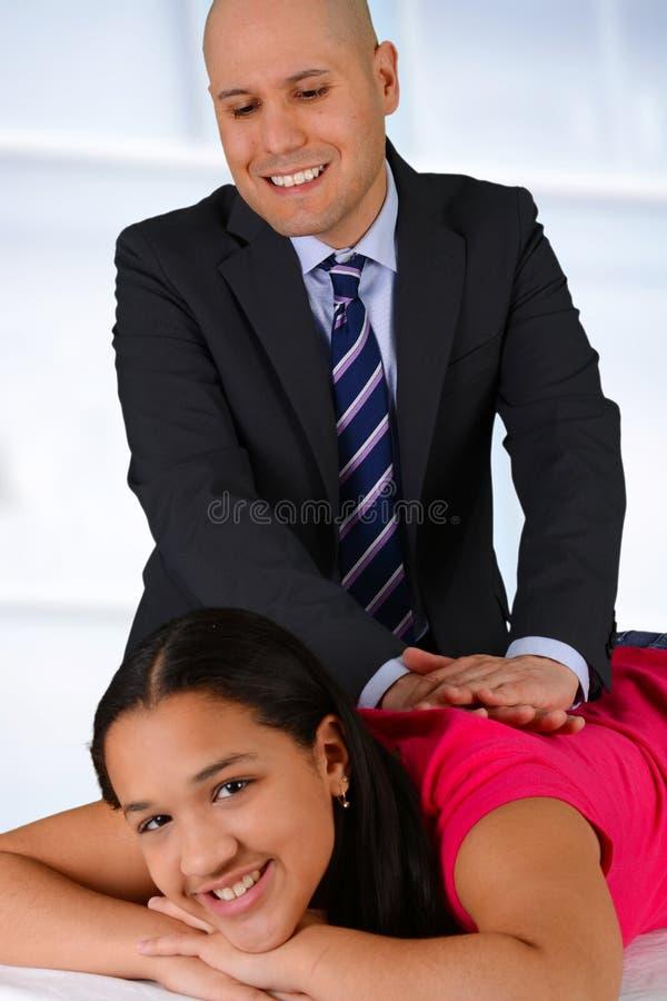 chiroprakteur images stock