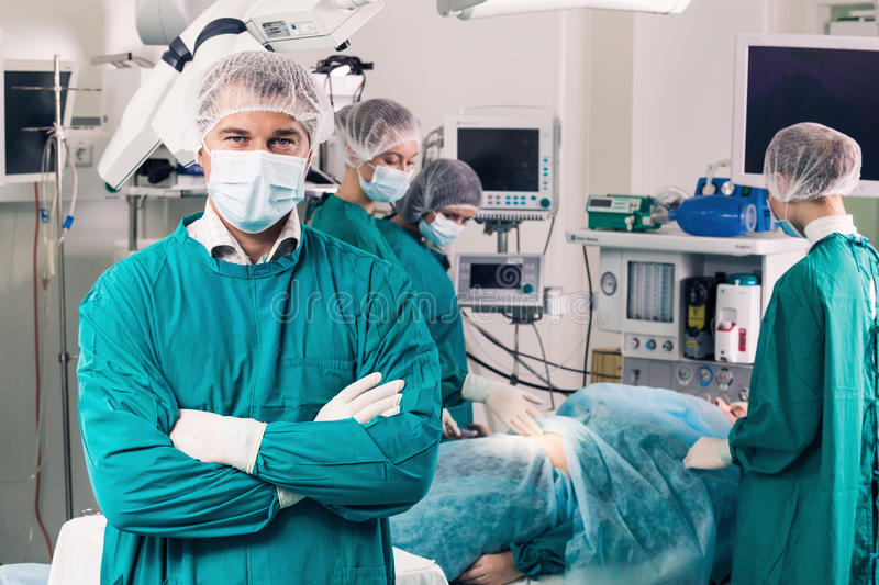 Chirurgie Team Operating royalty-vrije stock fotografie
