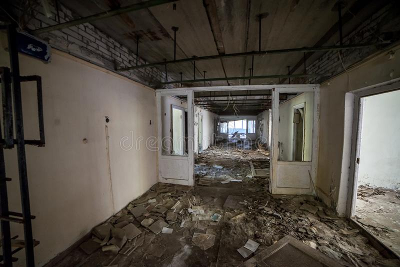 Chirurgieeinheit im Pripyat-Krankenhaus innerhalb der Tschornobyl-Ausschlusszone verlassene Stadt, Geisterstadt lizenzfreie stockbilder