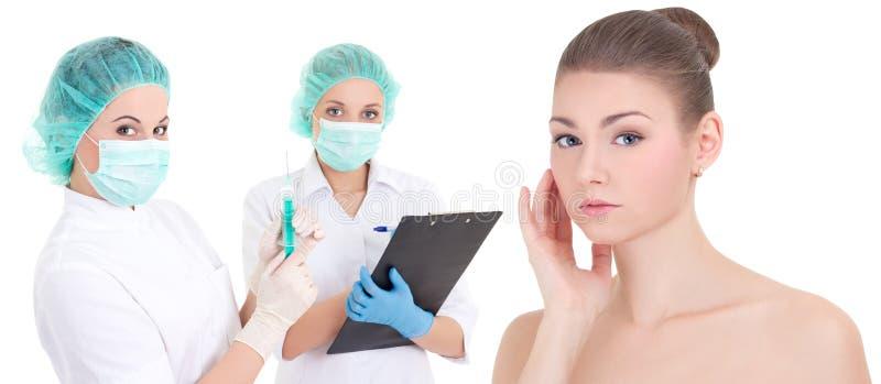 Chirurgii plastycznej pojęcie dwa żeńskiej lekarki i pięknego patie - zdjęcia royalty free