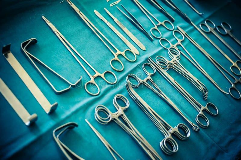 Chirurgische Klammernsammlung stockfoto