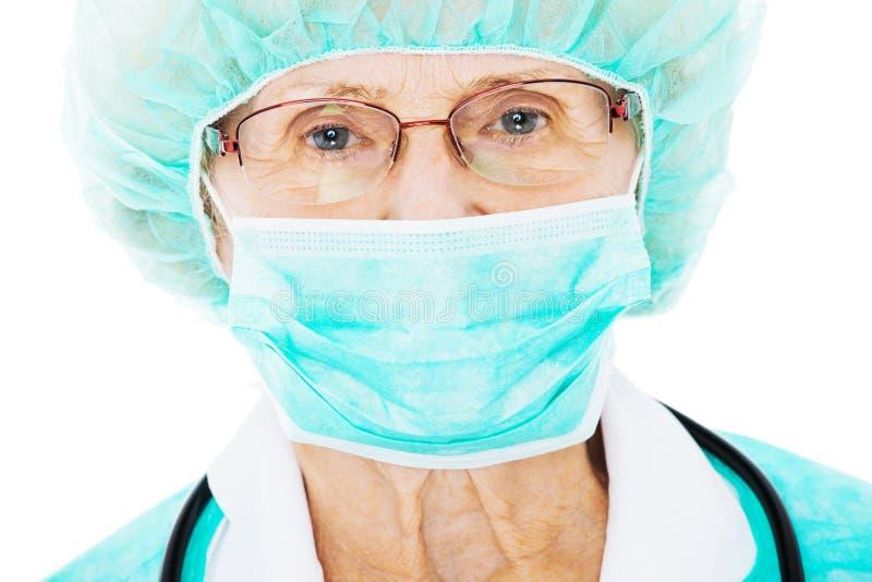 Chirurgo senior immagini stock