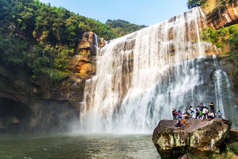 Chishui имеет красивые горы, красивый пейзаж, охват леса, который в провинции Гуйчжоу стоковое изображение rf