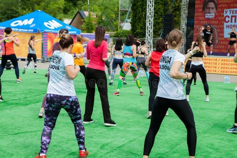 CHISINAU, EL MOLDAVIA - 25 DE MAYO DE 2019: Aire libre de las competencias de deportes en Chisinau, el Moldavia Aptitud, deporte, imagen de archivo libre de regalías