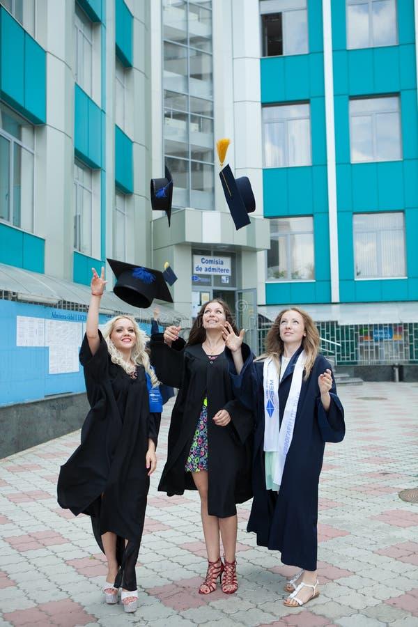 Chisinau Moldova, Lipiec, - 11, 2014: Skalowanie, ucznie, edukacja Grupa Europejski Kończy studia uczni Świętować Lipiec 11, 20 obrazy royalty free