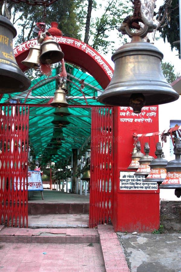 Chitai Golu Devta tempel, Almora, Indien arkivfoto