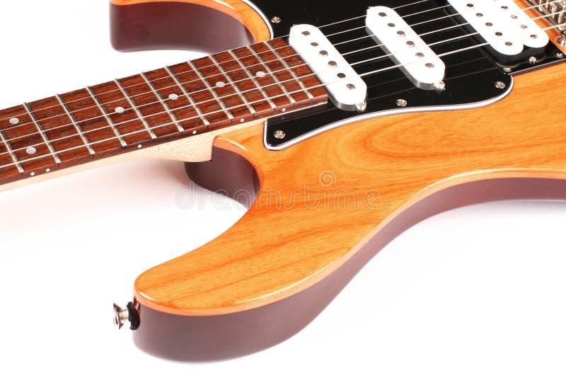 Chitarra elettrica isolata su priorità bassa bianca fotografie stock libere da diritti