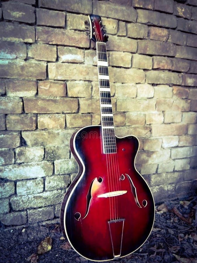 chitarra jazz autunnale fotografia stock