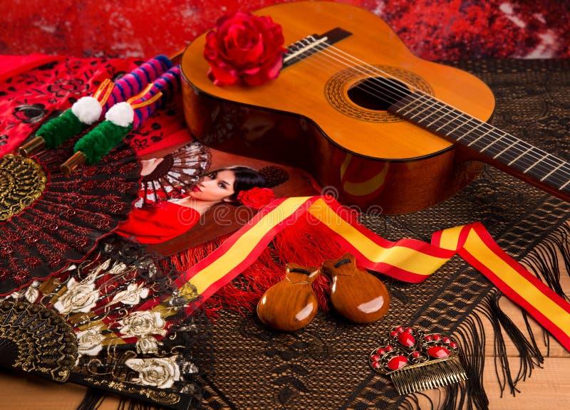 Chitarra spagnola di Cassic con gli elementi di flamenco fotografia stock libera da diritti