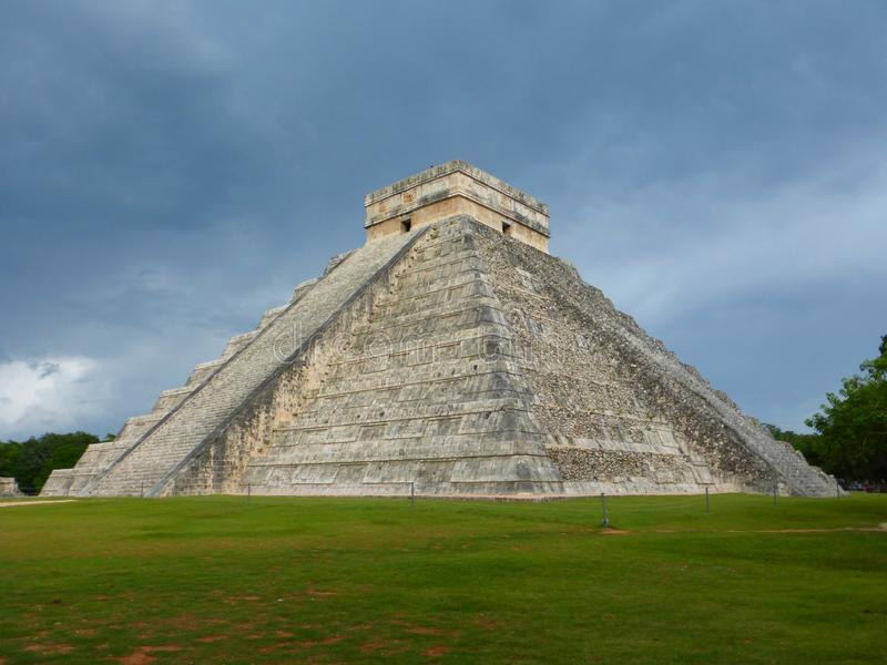 Chitchen Itza pyramid stock photography